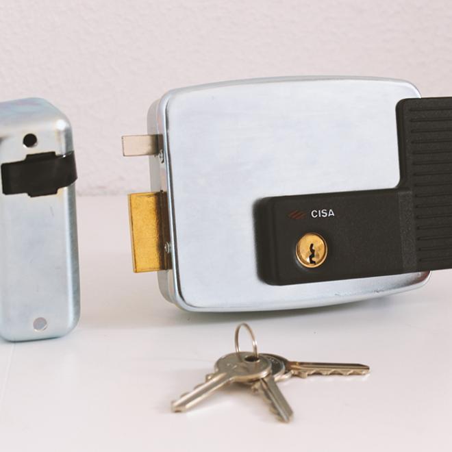 Fechadura ou Trinco elétrico CISA chave/chave; ref.11921