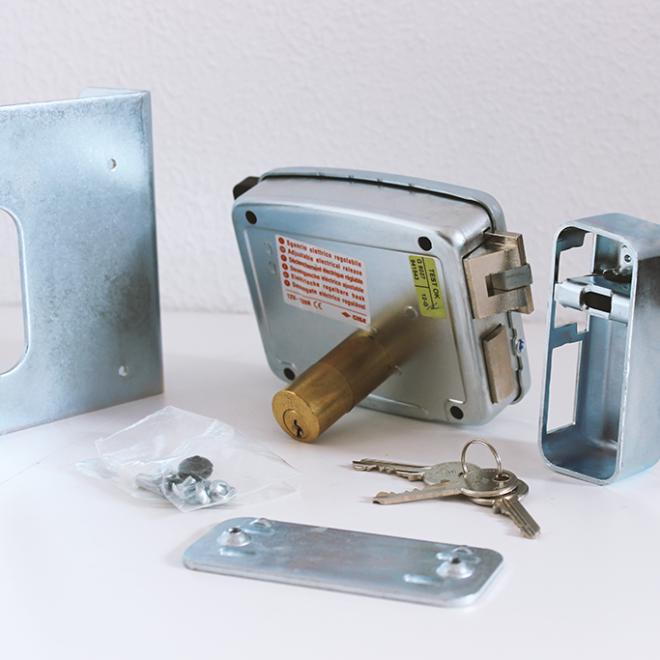 Fechadura ou Trinco elétrico CISA chave/chave; ref.11761