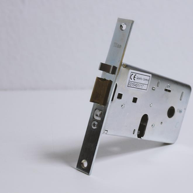 Fechadura elétrica de embutir ISEO; ref 5507020